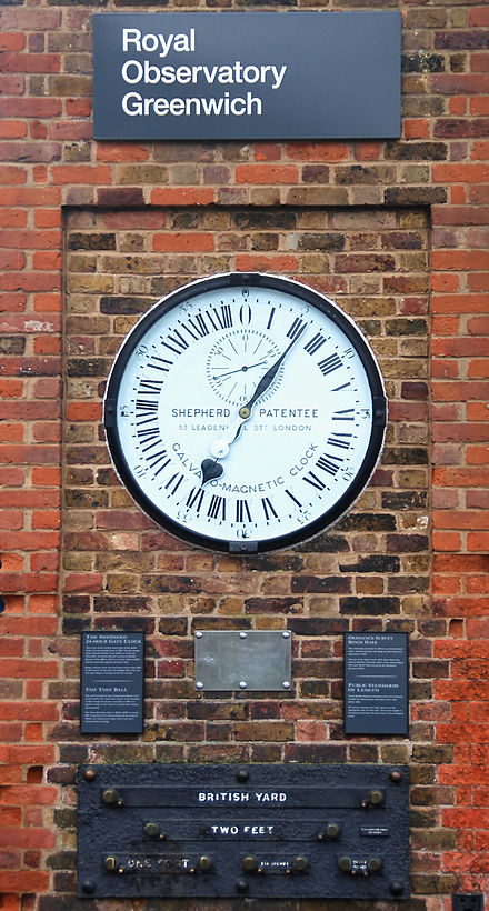 440px-Greenwich_clock